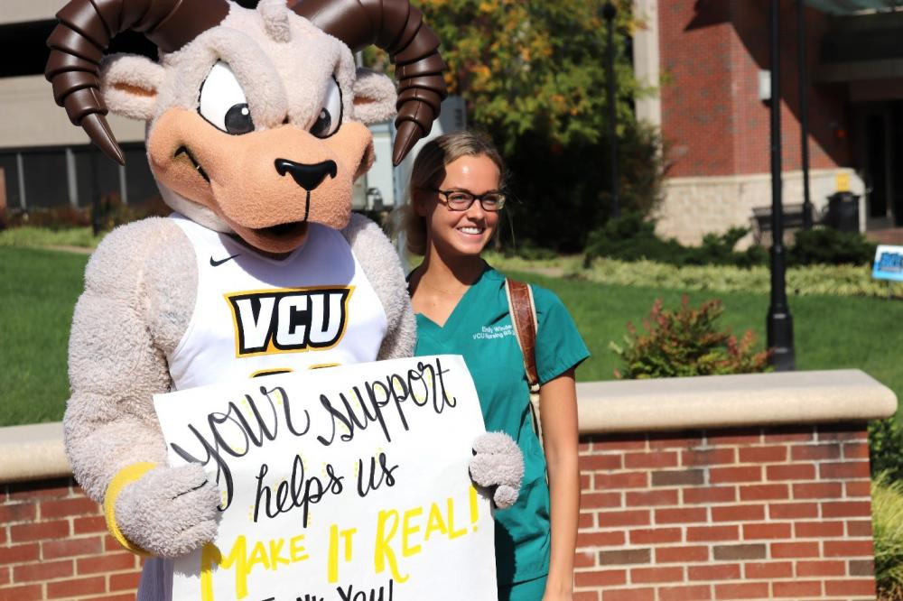 VCU Nursing Student with Rodney the Ram during donor thank-you event.