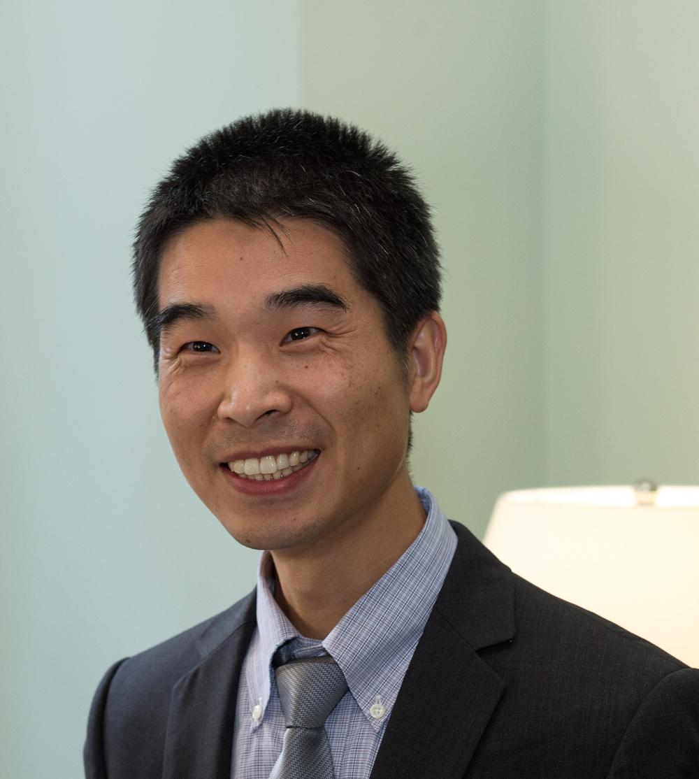 Qingguo Xu, D.Phil, assistant professor of pharmceutics, VCU School of Pharmacy